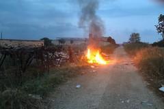 Incendi e roghi abusivi, scatta la denuncia