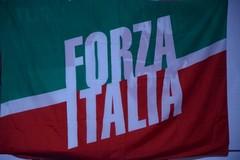 Forza Italia in piazza a Margherita di Savoia contro la manovra finanziaria