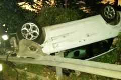 Auto finisce fuori strada, ferito un 52enne