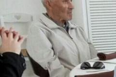 Anziano scomparso nel nulla, i familiari lo cercano