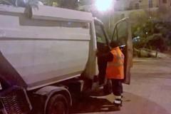 Nettezza urbana, operai Sia lavorano. I cittadini non rispettano le norme