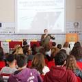 La cultura della difesa entra a scuola. Ieri l'Esercito all'IISS Aldo Moro
