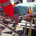 Batte la testa e rischia di annegare: salvato in extremis dal bagnino