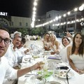 La cena in bianco nelle immagini più belle
