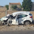 Schianto violento tra auto e tir, un ferito in codice rosso