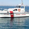 La motovedetta CP 520 della Guardia Costiera lascia le acque di Margherita di Savoia
