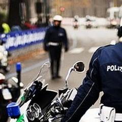 Agente di Polizia Locale aggredito davanti ad una scuola elementare