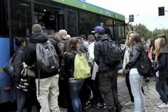 Ritorno della scuola in presenza, Leo: «Garantiti autobus in caso di ingressi scaglionati»
