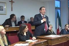 """Lodispoto in versione """"anziano siciliano"""", polemica sullo spot di Capodanno in piazza Generale dalla Chiesa"""