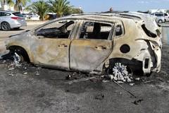 In fiamme l'auto del Comandante nucleo forestale, la solidarietà della consigliera Galiotta