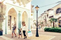 Puglia Outlet Village tra beneficenza, aperture straordinarie e nuovi orari