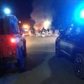 In fiamme un furgone nella notte