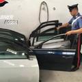 Rubarono auto per mercato illecito, due arresti