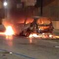 In fiamme l'auto personale di un agente della Polizia Locale