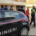 Controlli anti assembramento davanti alle scuole di Margherita di Savoia